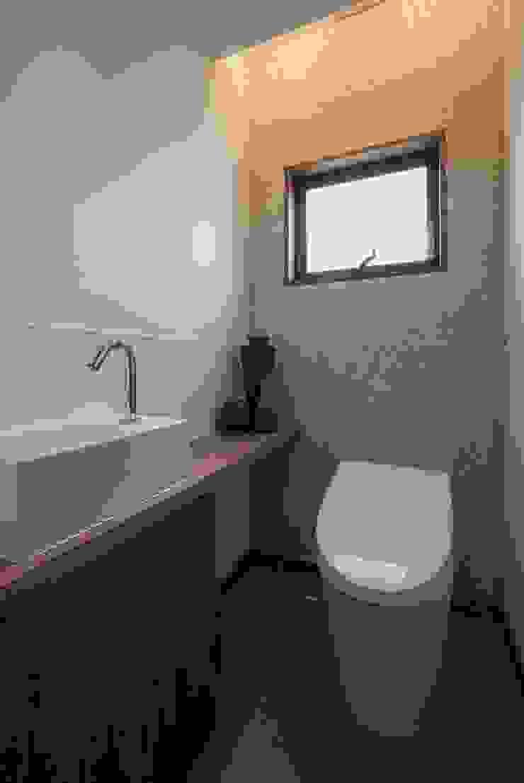藤井下組の家 オリジナルスタイルの お風呂 の 空間設計室/kukanarchi オリジナル