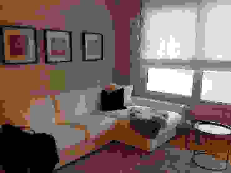 Wohnbereich SIEGL INTERIOR DESIGNS Moderne Wohnzimmer Baumwolle Weiß