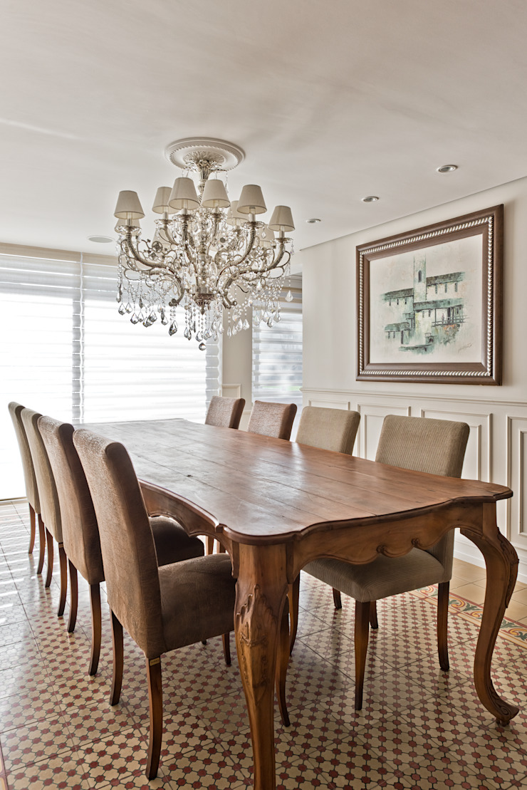 Classic style dining room by UNION Architectural Concept Classic Wood Wood effect