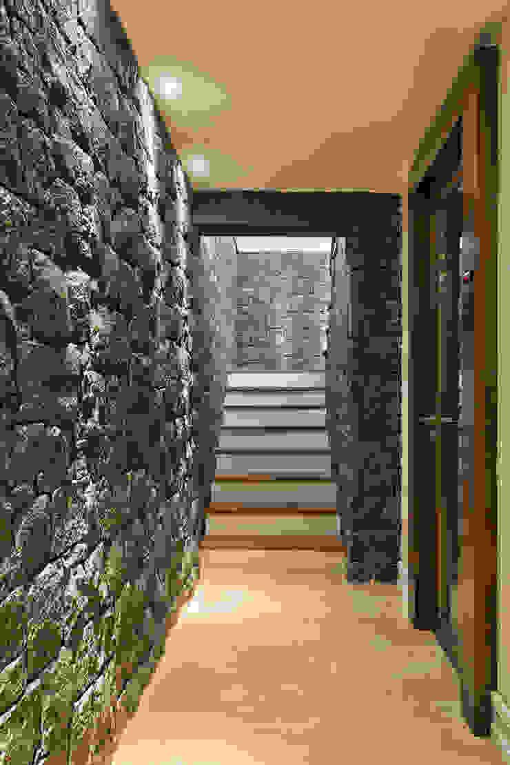 UNION Architectural Concept Koridor & Tangga Klasik Batu Grey