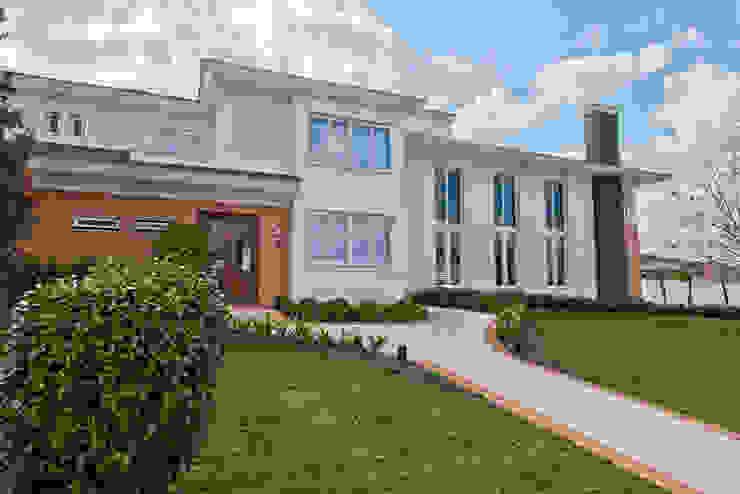 UNION Architectural Concept Rumah Klasik Batu Pasir White