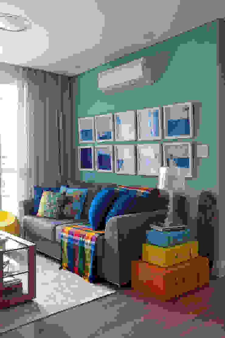 Salon moderne par UNION Architectural Concept Moderne Textile Ambre/Or