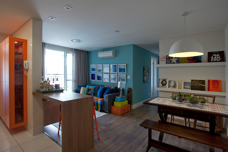 Salon moderne par UNION Architectural Concept Moderne Bois d'ingénierie Transparent