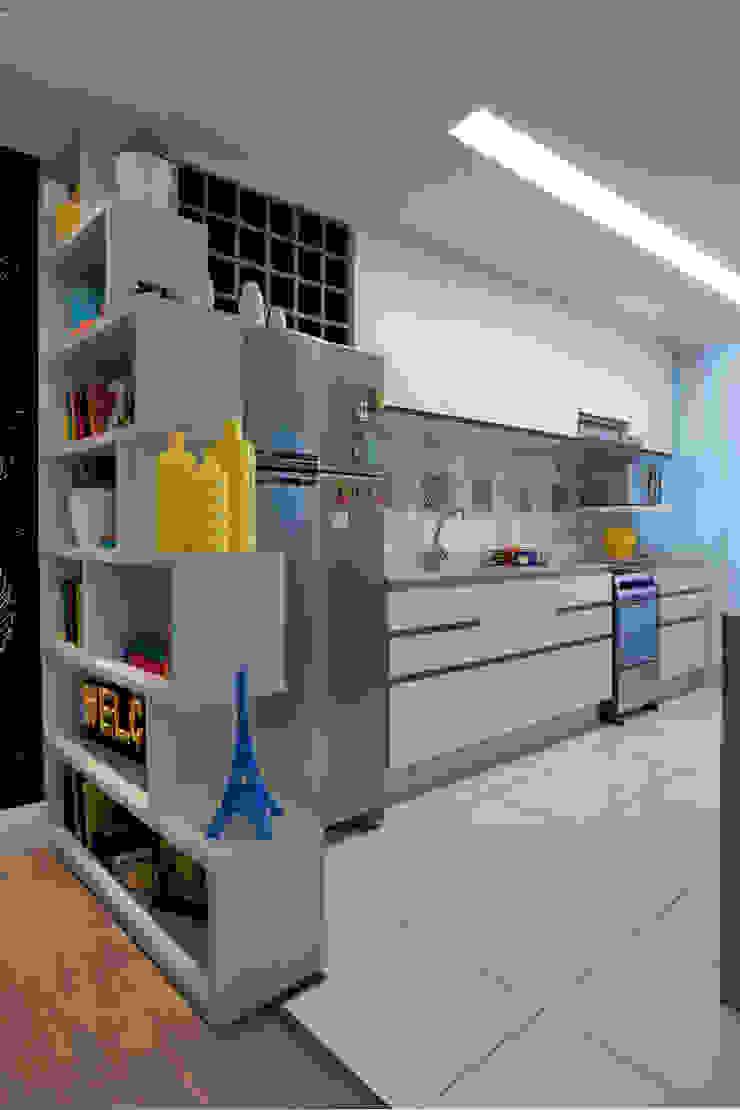 Modern kitchen by UNION Architectural Concept Modern Engineered Wood Transparent
