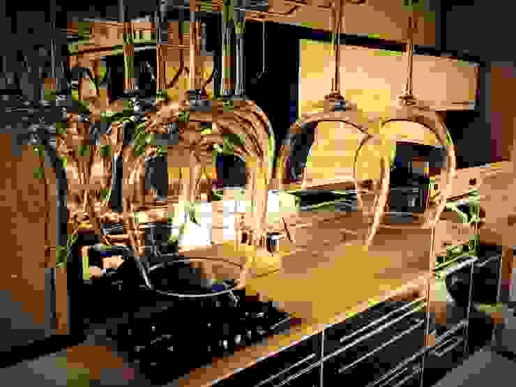 Cocinas de estilo moderno de HAYAL MUTFAK YAPI MALZ.İNŞ.GIDA TURZ.NAK. SAN. VE TİC. LTD. ŞTİ Moderno