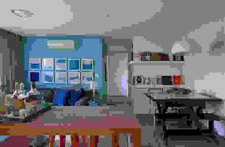Salon moderne par UNION Architectural Concept Moderne Bois composite