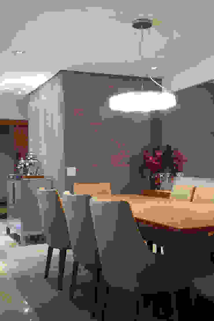 Apartamento Erédita Salas de jantar modernas por GRACIELA PIÑERO ARQUITETURA E DECORAÇÃO Moderno