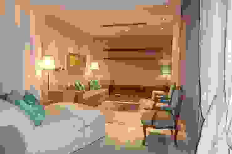 Sala de Estar Salas de estar clássicas por Stoc Casa Interiores Clássico