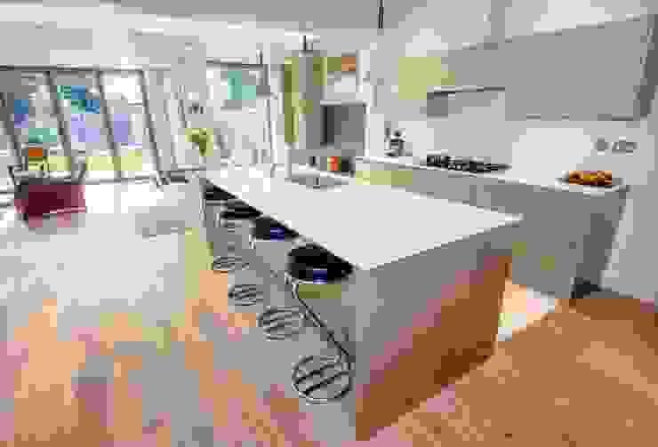 HOUSE EXTENSION & LOFT CONVERSION IN SW LONDON Modern Kitchen by DPS ltd. Modern