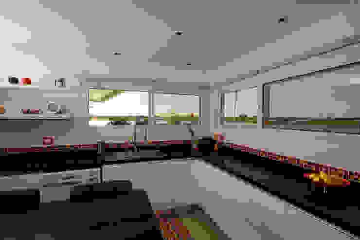 Casa MaLi Cocinas modernas: Ideas, imágenes y decoración de MiD Arquitectura Moderno