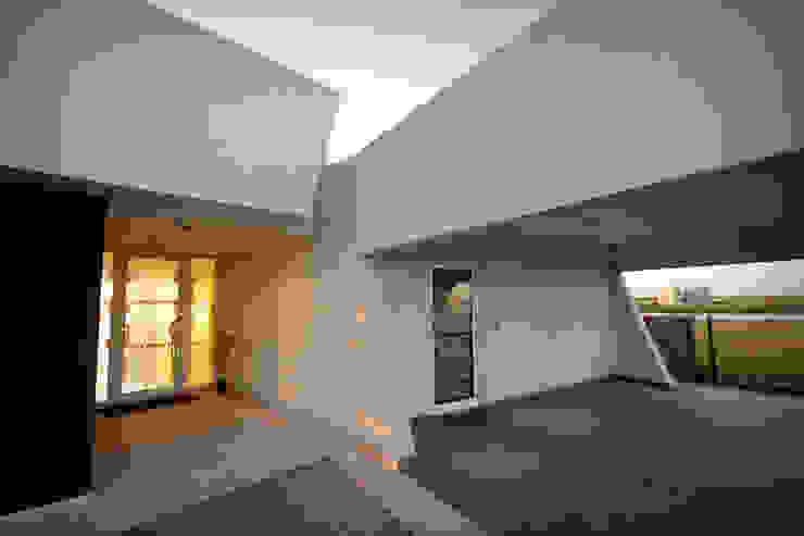 Casa MaLi Casas modernas: Ideas, imágenes y decoración de MiD Arquitectura Moderno