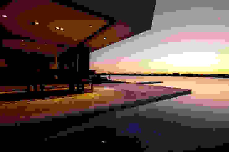 Casa MaLi Piletas modernas: Ideas, imágenes y decoración de MiD Arquitectura Moderno
