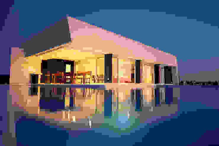 Casas de estilo  por MiD Arquitectura
