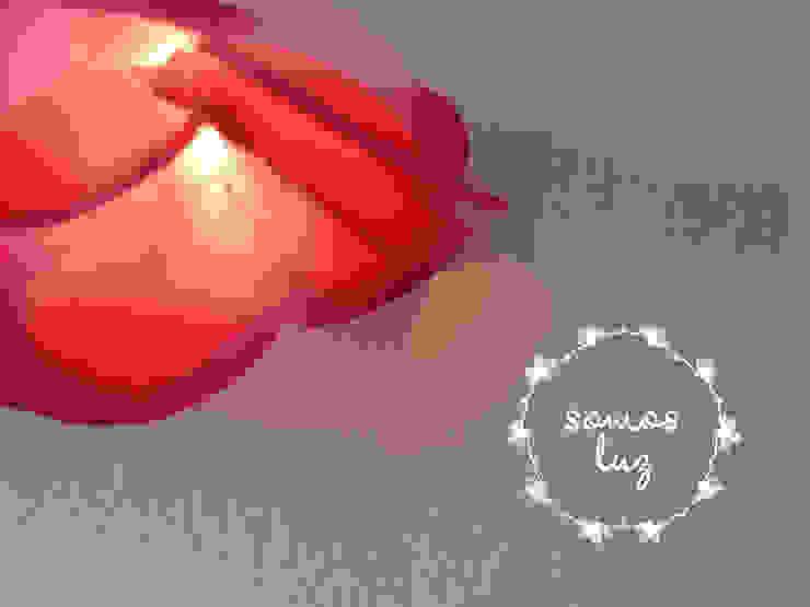 flores handmade fucsia de Somos Luz Mediterráneo