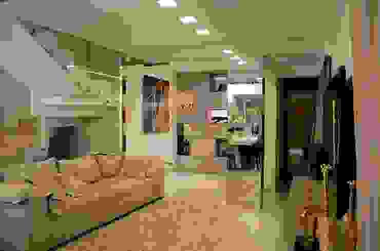 Sala Estar/TV e Escritório Salas de estar modernas por Giovana Martins Arquitetura & Interiores Moderno