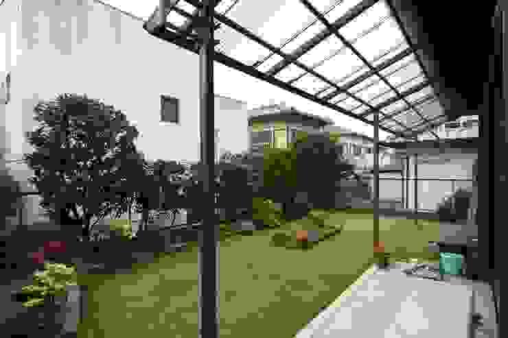 Jardines de estilo ecléctico de 庭 遊庵 Ecléctico