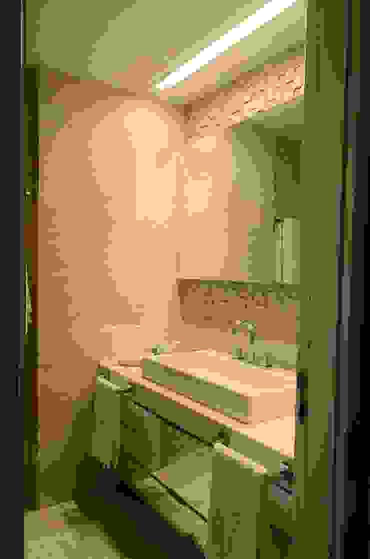 Banheiro Casal Banheiros modernos por Giovana Martins Arquitetura & Interiores Moderno