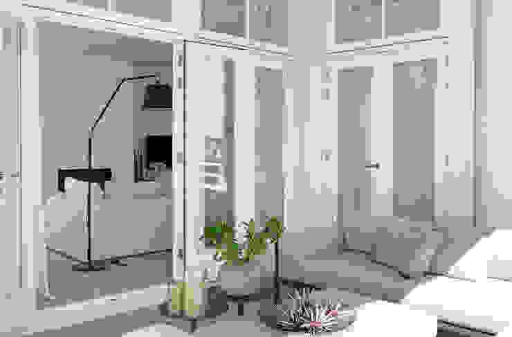 Modern balcony, veranda & terrace by Grego Design Studio Modern