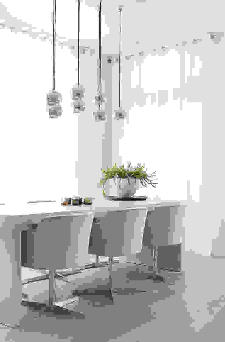 Appartement aan Zee Moderne eetkamers van Grego Design Studio Modern