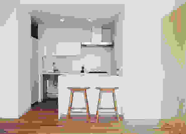 キッチン: カナタニ建築設計工房が手掛けた現代のです。,モダン