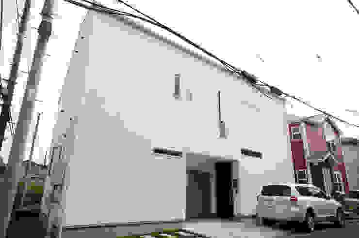 外観: モノマ建築設計事務所が手掛けたミニマリストです。,ミニマル
