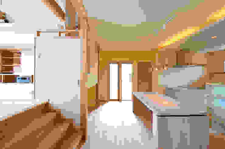 回遊性と高低差のある家 ~アクティブな住まい オリジナルデザインの キッチン の 設計工房CRESS オリジナル