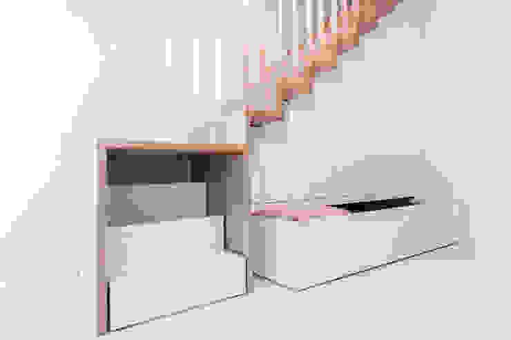 Dormitorios infantiles de estilo moderno de conceptjoana Moderno