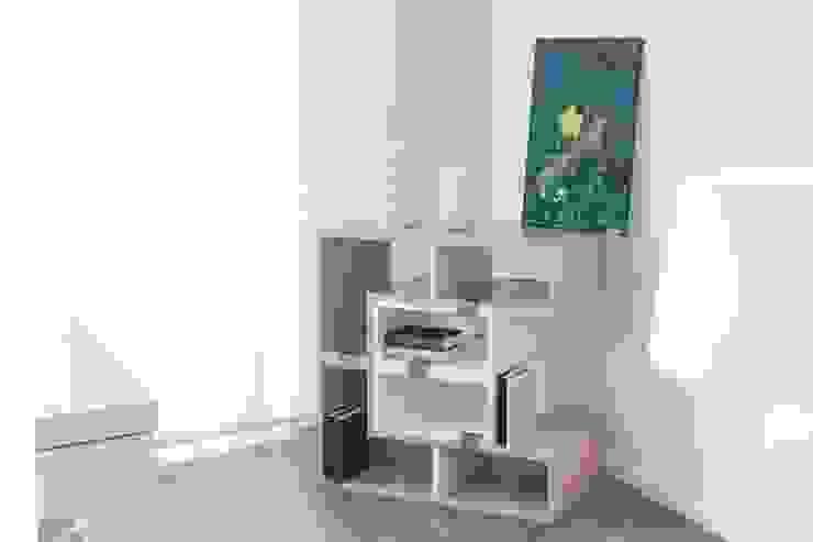 Letrix, ein Regal für alles  -HANDGEMACHT-: modern  von yourelement,Modern Holz Holznachbildung