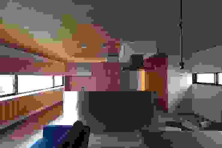 Kitchen by 有限会社Kaデザイン,