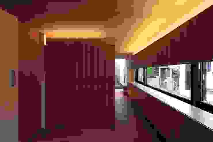 Bedroom by 有限会社Kaデザイン,