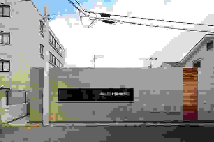 Modern houses by 有限会社Kaデザイン Modern