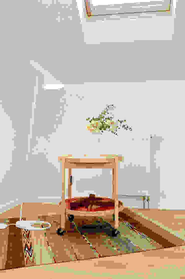 高気密・高断熱住宅 x 温水パネル暖房の快適性 北欧デザインの 子供部屋 の 株式会社 ヨゴホームズ 北欧