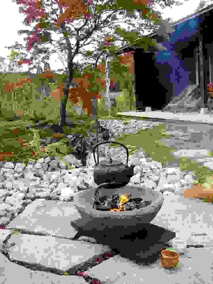 移動できる庭囲炉裏: 木村博明 株式会社木村グリーンガーデナーが手掛けた折衷的なです。,オリジナル