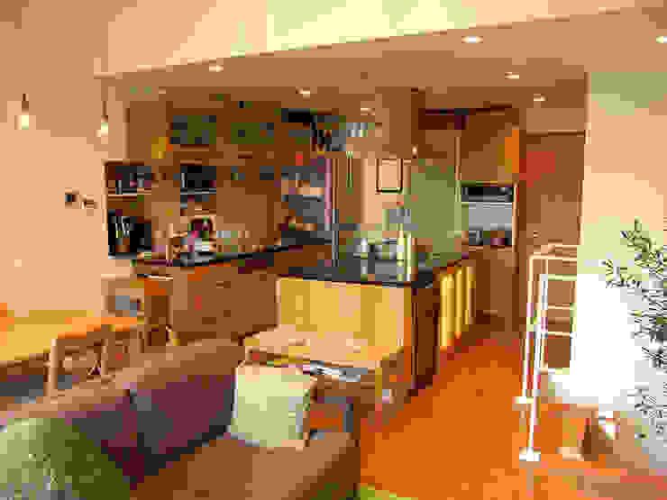 葛飾の住宅 モダンな キッチン の ㈱姫松建築設計事務所 モダン