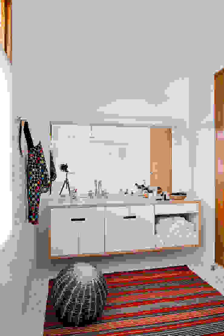 Estúdio Paulo Alves Modern bathroom