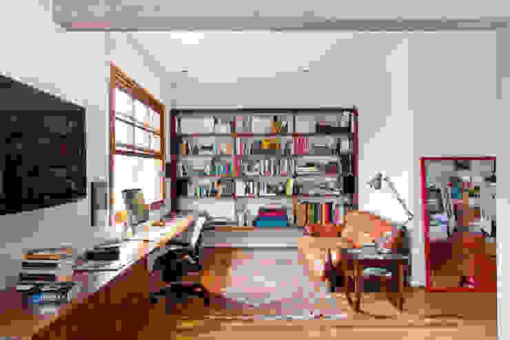 Estúdio Paulo Alves Modern study/office