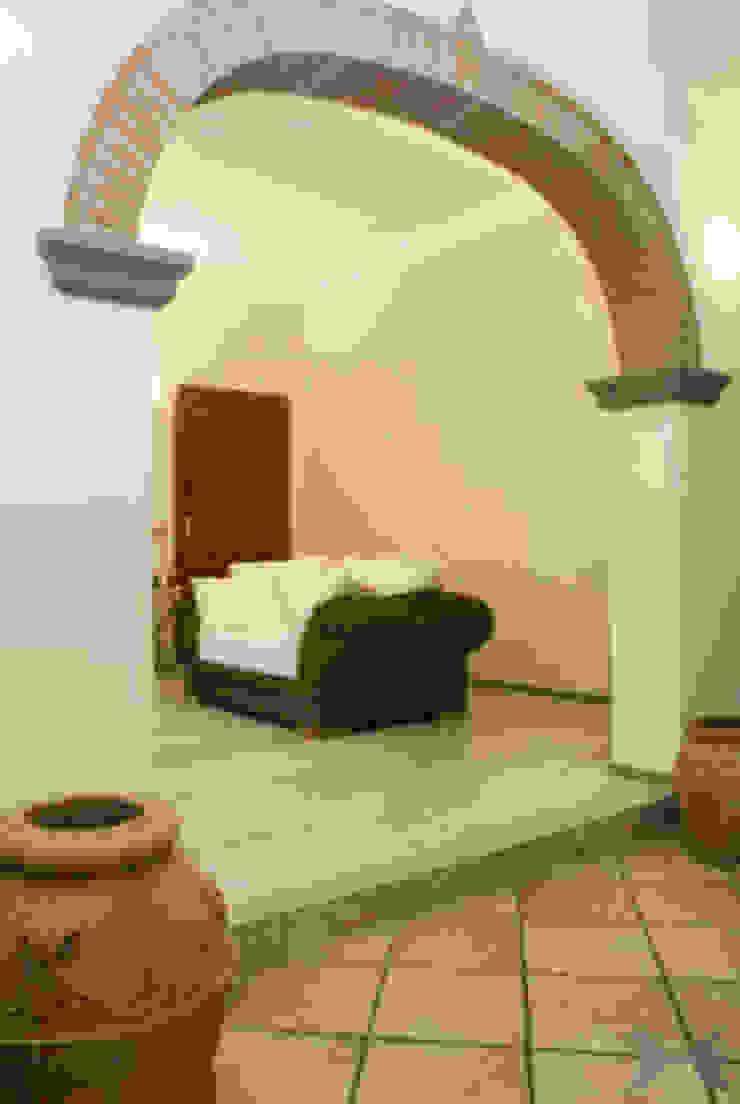 interni RASPANTI PIETRA SERENA SRL 现代客厅設計點子、靈感 & 圖片