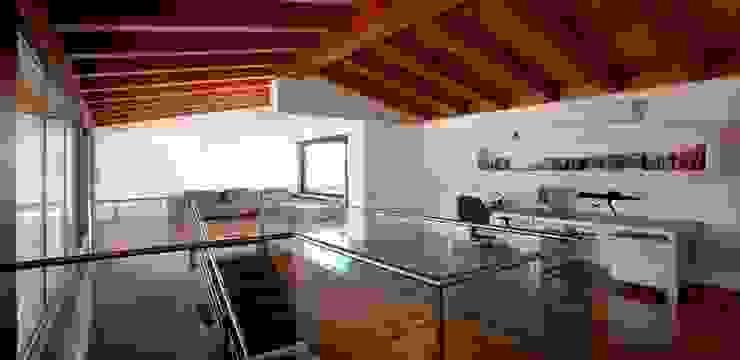 Habitatge Ramon Llull Cocinas de estilo clásico de López Clavería Arquitectos Clásico