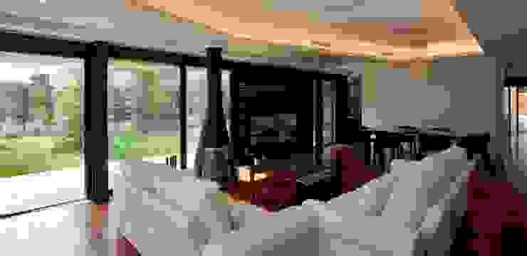Habitatge Ramon Llull Salones de estilo clásico de López Clavería Arquitectos Clásico