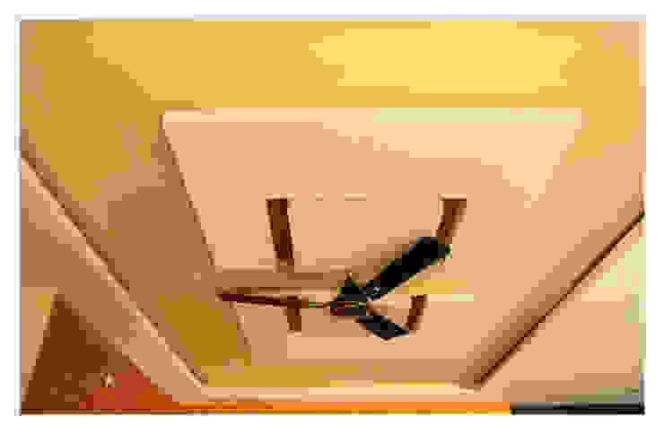 Happy Homes Designers 玄關、走廊與階梯照明