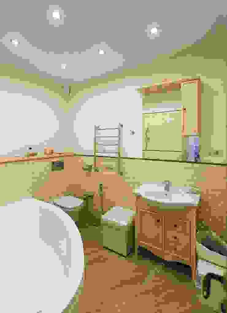 Ванная комната при спальне старшей дочери от INTERIOR PROJECT studio