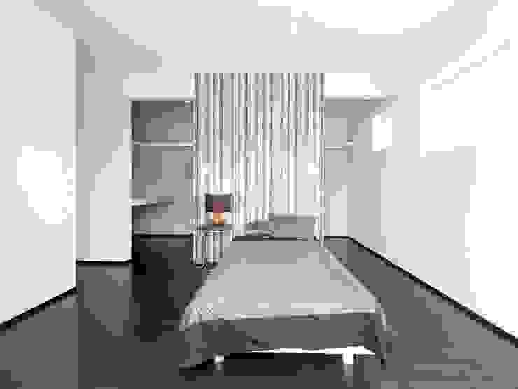 『 ほっとくつろぐ茶の間のあるすまい 』 モダンスタイルの寝室 の Live Sumai - アズ・コンストラクション - モダン