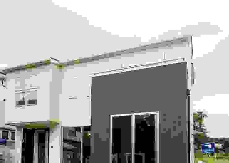 Modern Houses by Live Sumai - アズ・コンストラクション - Modern
