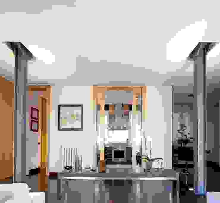 PINO Salones de estilo moderno de MILLENIUM ARCHITECTURE Moderno