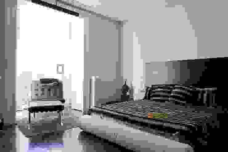 PINO Dormitorios de estilo moderno de MILLENIUM ARCHITECTURE Moderno