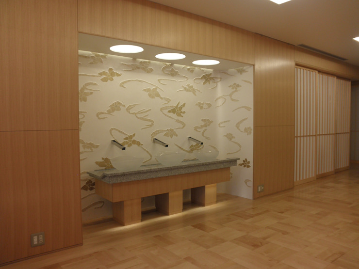 Modern corridor, hallway & stairs by 今井建築設計事務所 Modern