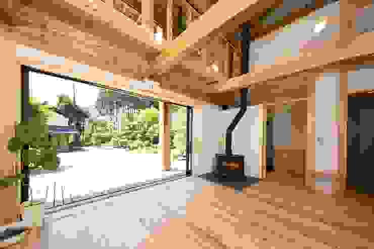 埼玉県日高市~Sさんの家 モダンデザインの リビング の kijima-k-koubou モダン