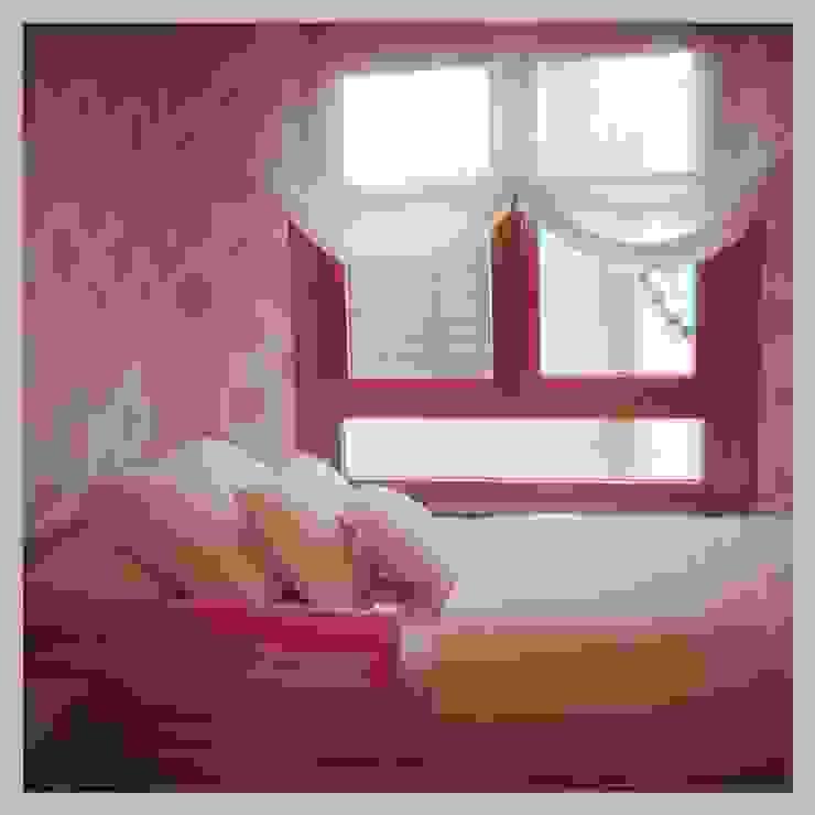 Classic style bedroom by MANUEL LAMARCA. Tapicería&Decoración Classic