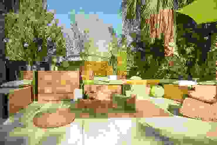Сад в эклектичном стиле от Happy Souls Garden Эклектичный
