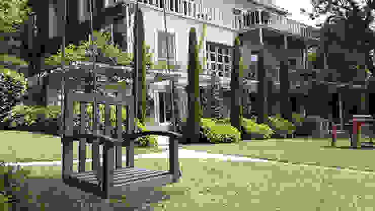 Modern Garden by Land Design Factory Modern